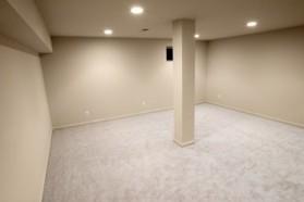 В сухом подвале можно даже обустроить жилую комнату