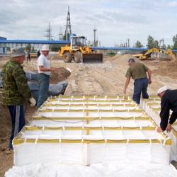 Геоматрицы применяются в дорожном и гидротехническом строительстве