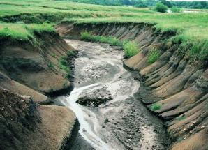 Водная эрозия грунта