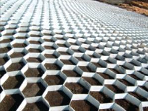 Использование геосетки - отличный способ сохранить целостность дорожного покрытия