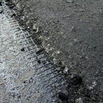 Геосетка полиэфирная сделает дорогу надежной