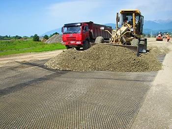 Строительство дороги с использованием стеклотканевой геосетки