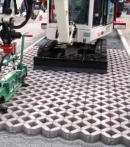 Монтаж бетонных модулей газонной решетки