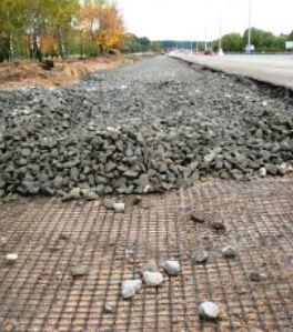 Строительство дороги с применением дорожной сетки
